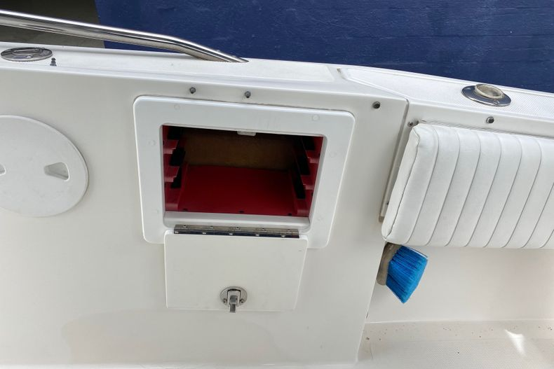 Thumbnail 12 for Used 2001 Stamas 250 Tarpon boat for sale in Miami, FL