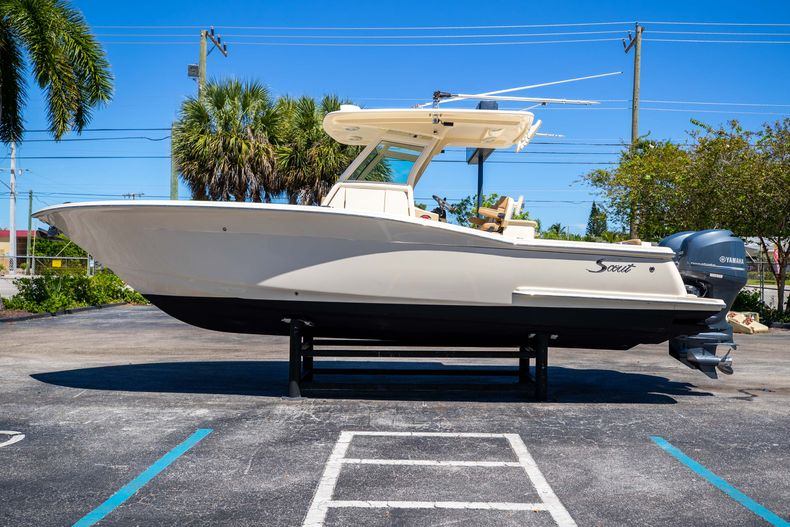 Thumbnail 6 for Used 2013 Scout 275 XSF boat for sale in West Palm Beach, FL