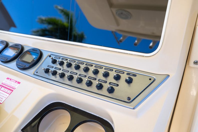 Thumbnail 33 for Used 2013 Scout 275 XSF boat for sale in West Palm Beach, FL