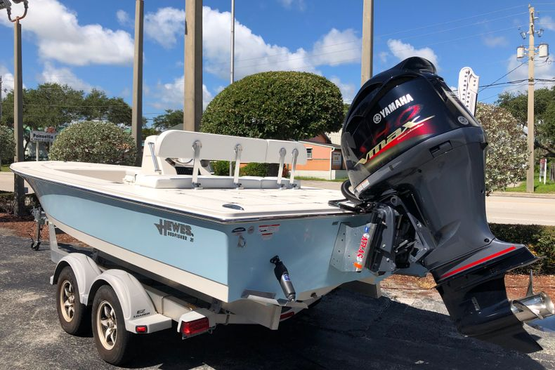 Thumbnail 4 for New 2021 Hewes Redfisher 21 boat for sale in Vero Beach, FL