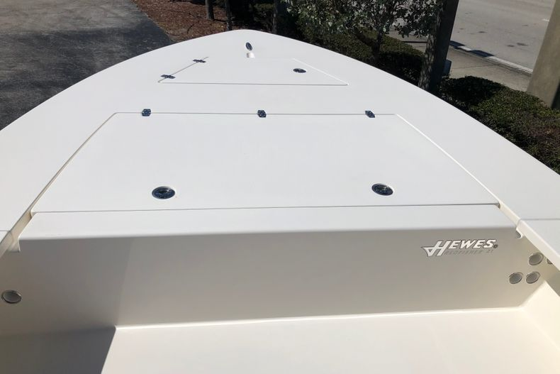 Thumbnail 11 for New 2021 Hewes Redfisher 21 boat for sale in Vero Beach, FL