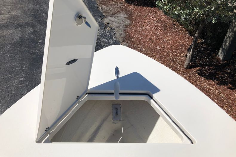 Thumbnail 12 for New 2021 Hewes Redfisher 21 boat for sale in Vero Beach, FL