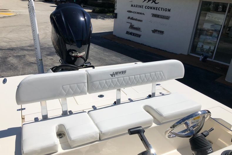 Thumbnail 16 for New 2021 Hewes Redfisher 21 boat for sale in Vero Beach, FL