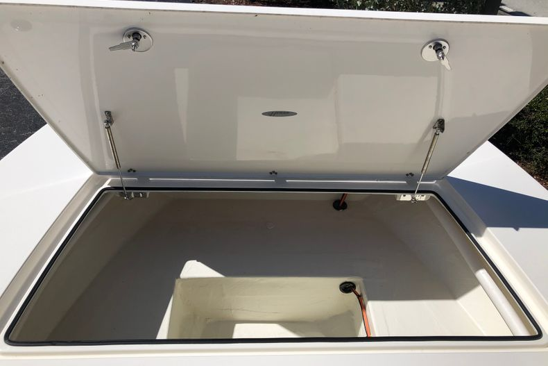 Thumbnail 17 for New 2021 Hewes Redfisher 21 boat for sale in Vero Beach, FL
