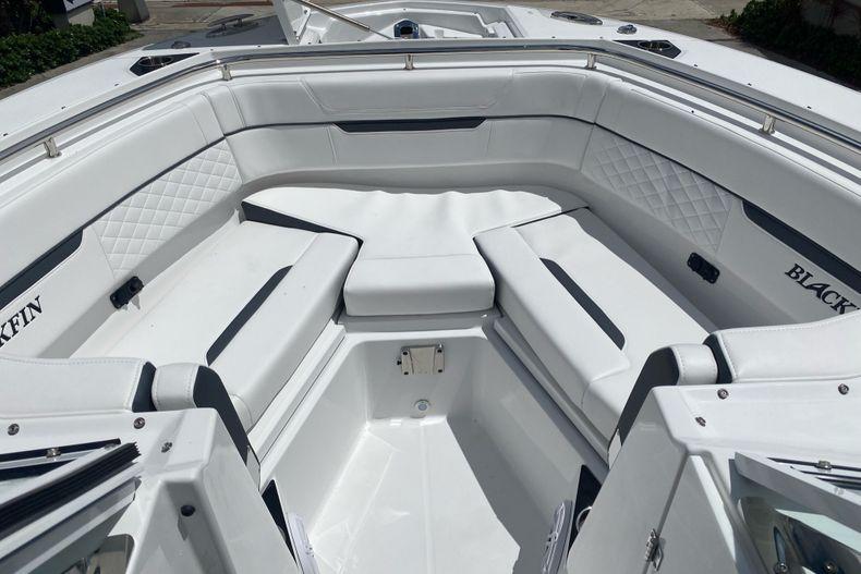 Thumbnail 15 for New 2022 Blackfin 272DC boat for sale in Aventura, FL