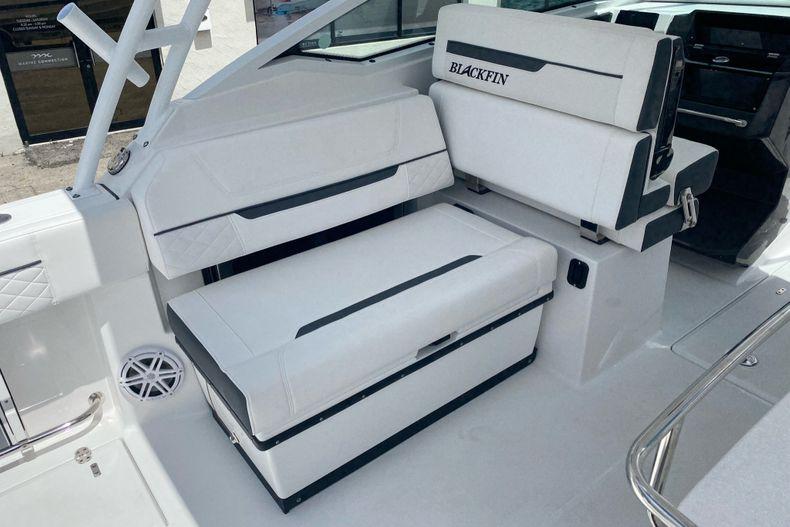Thumbnail 9 for New 2022 Blackfin 272DC boat for sale in Aventura, FL