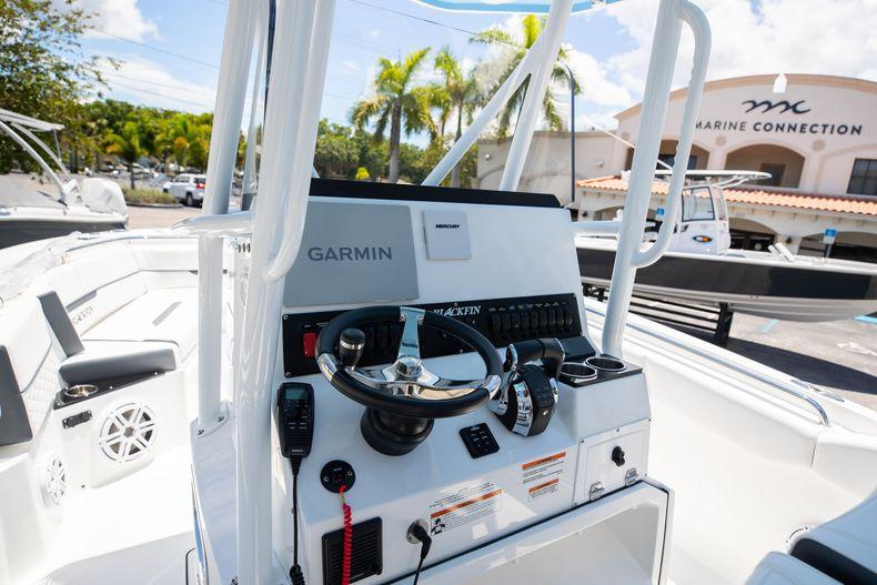 Thumbnail 3 for New 2022 Blackfin 252CC boat for sale in Vero Beach, FL