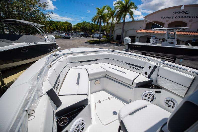 Thumbnail 5 for New 2022 Blackfin 252CC boat for sale in Vero Beach, FL