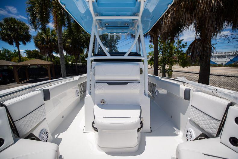 Thumbnail 6 for New 2022 Blackfin 252CC boat for sale in Vero Beach, FL