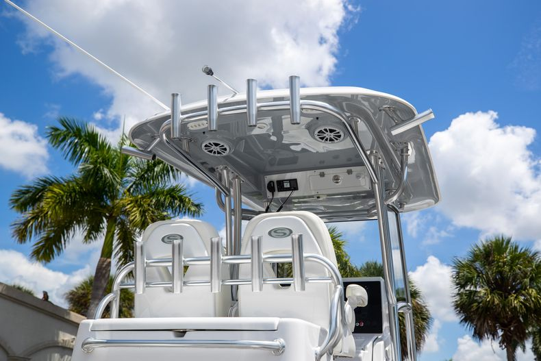Thumbnail 12 for Used 2018 Sportsman 282 Center Console boat for sale in West Palm Beach, FL
