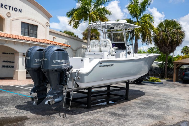 Thumbnail 10 for Used 2018 Sportsman 282 Center Console boat for sale in West Palm Beach, FL