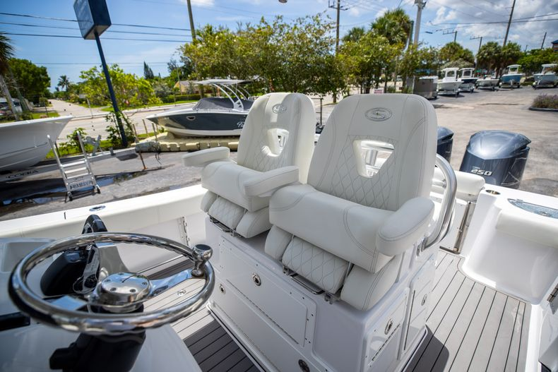 Thumbnail 42 for Used 2018 Sportsman 282 Center Console boat for sale in West Palm Beach, FL