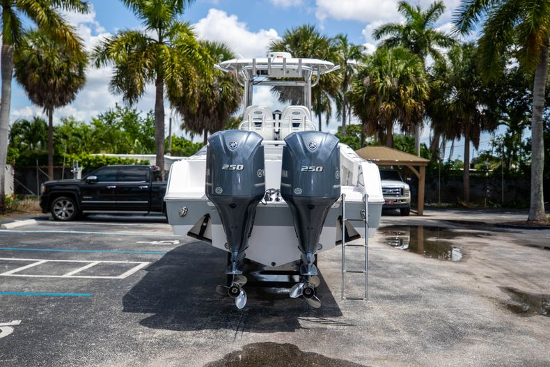 Thumbnail 9 for Used 2018 Sportsman 282 Center Console boat for sale in West Palm Beach, FL