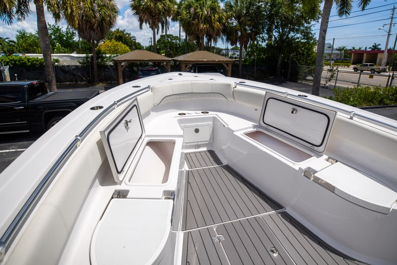 Thumbnail 51 for Used 2018 Sportsman 282 Center Console boat for sale in West Palm Beach, FL