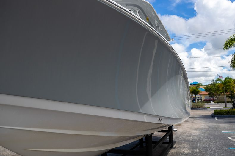 Thumbnail 5 for Used 2018 Sportsman 282 Center Console boat for sale in West Palm Beach, FL