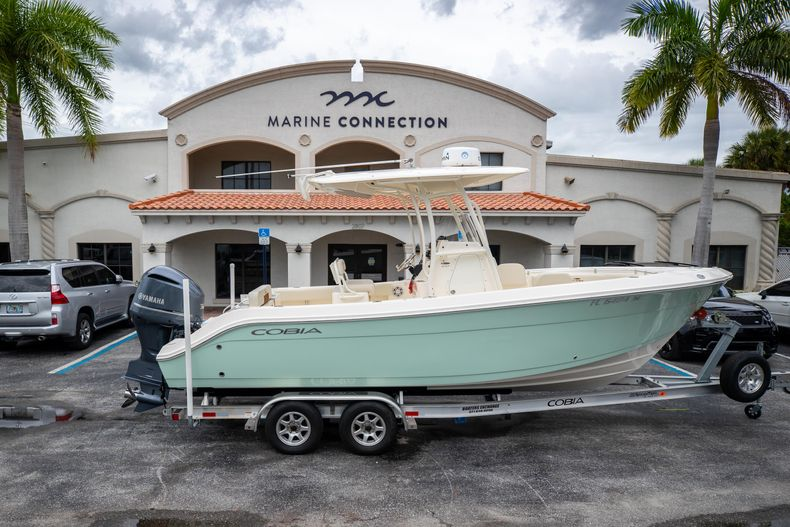 Used 2020 Cobia 237CC Center Console boat for sale in West Palm Beach, FL