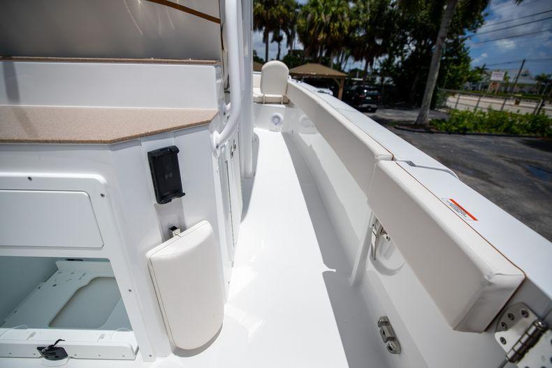 Thumbnail 18 for New 2022 Sea Hunt Escape 25 boat for sale in Vero Beach, FL