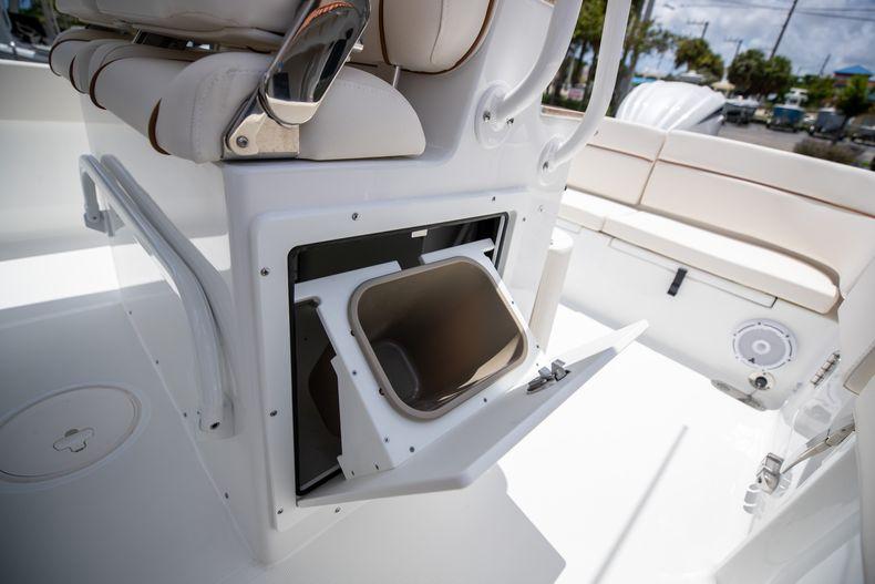 Thumbnail 24 for New 2022 Sea Hunt Escape 25 boat for sale in Vero Beach, FL