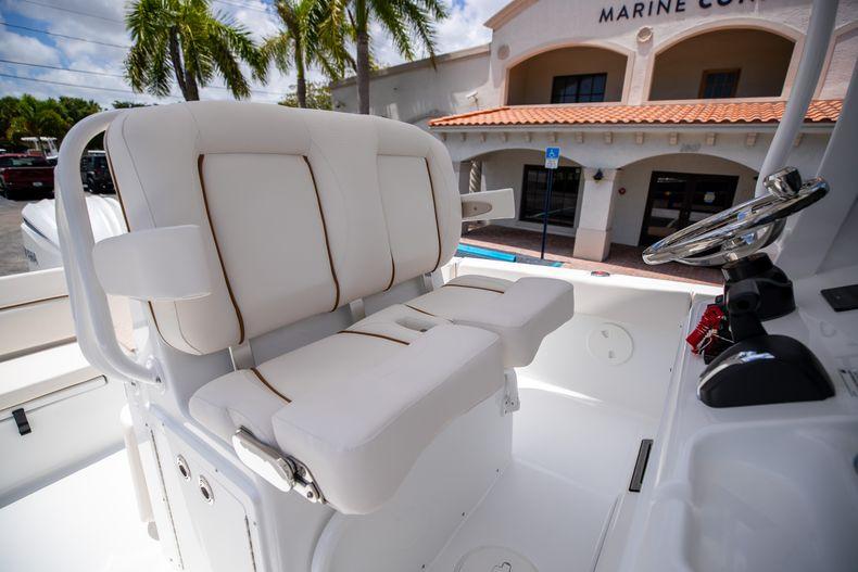 Thumbnail 34 for New 2022 Sea Hunt Escape 25 boat for sale in Vero Beach, FL