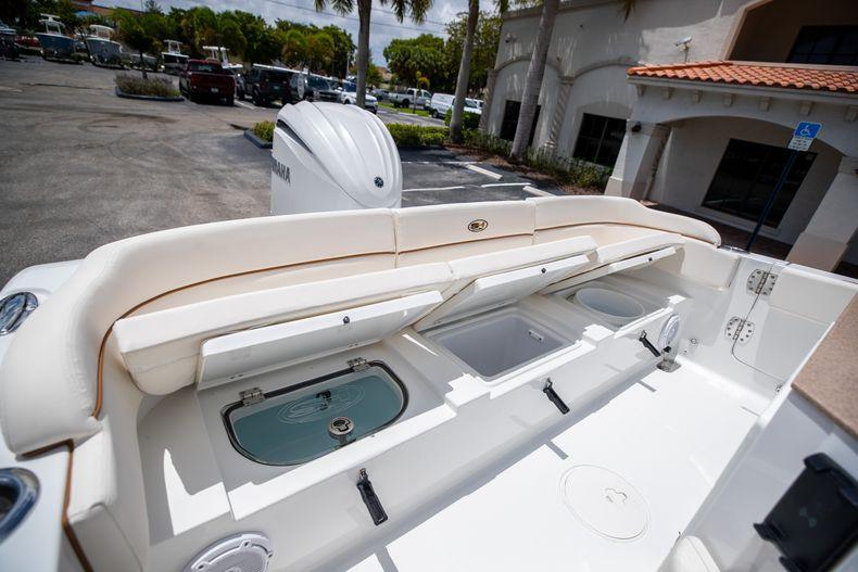 Thumbnail 12 for New 2022 Sea Hunt Escape 25 boat for sale in Vero Beach, FL