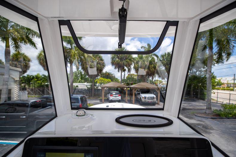 Thumbnail 30 for New 2022 Sea Hunt Escape 25 boat for sale in Vero Beach, FL
