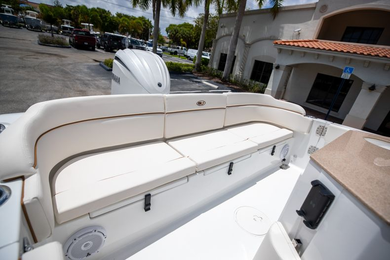 Thumbnail 11 for New 2022 Sea Hunt Escape 25 boat for sale in Vero Beach, FL
