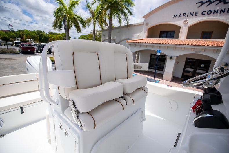 Thumbnail 33 for New 2022 Sea Hunt Escape 25 boat for sale in Vero Beach, FL