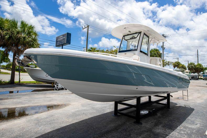 Thumbnail 3 for New 2022 Sea Hunt Escape 25 boat for sale in Vero Beach, FL