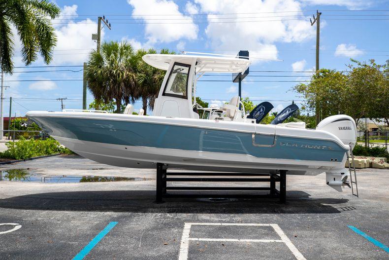 Thumbnail 4 for New 2022 Sea Hunt Escape 25 boat for sale in Vero Beach, FL