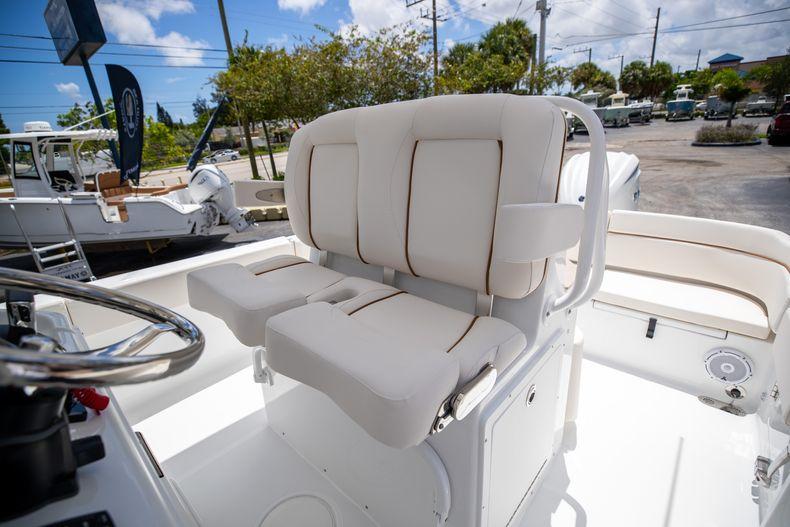 Thumbnail 36 for New 2022 Sea Hunt Escape 25 boat for sale in Vero Beach, FL