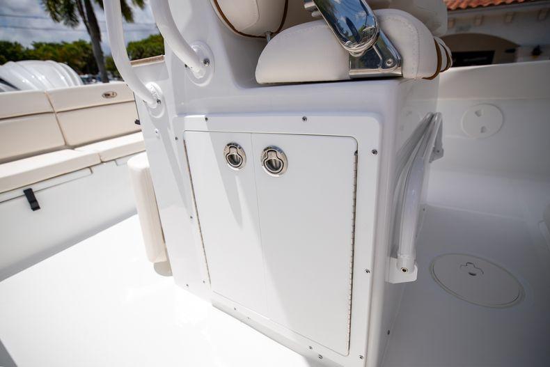 Thumbnail 16 for New 2022 Sea Hunt Escape 25 boat for sale in Vero Beach, FL