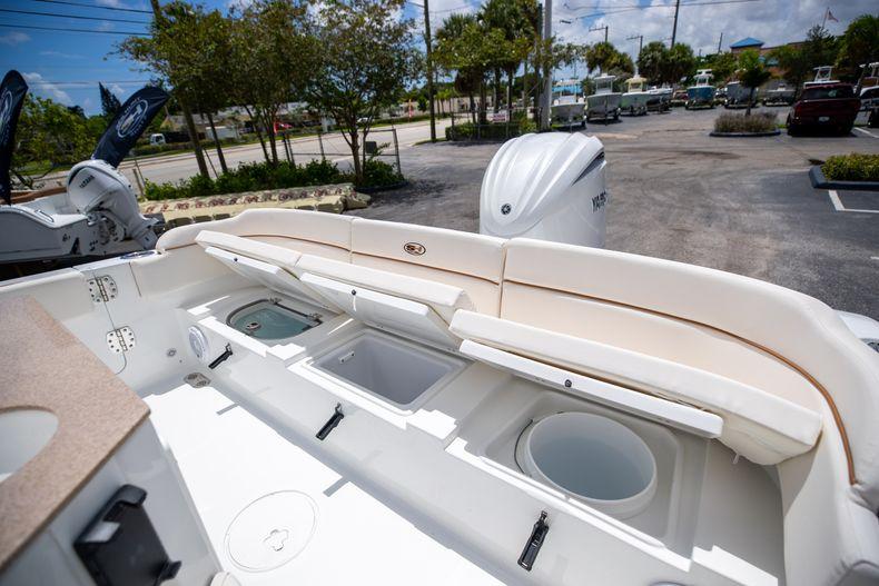 Thumbnail 14 for New 2022 Sea Hunt Escape 25 boat for sale in Vero Beach, FL