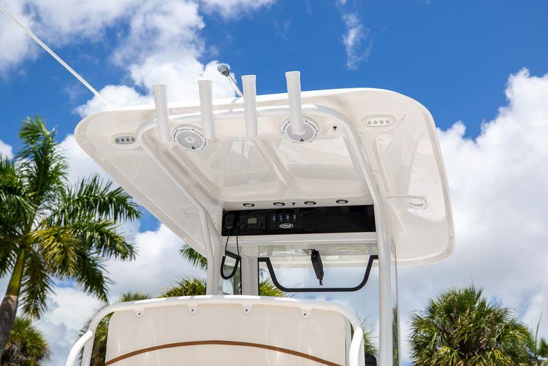 Thumbnail 10 for New 2022 Sea Hunt Escape 25 boat for sale in Vero Beach, FL