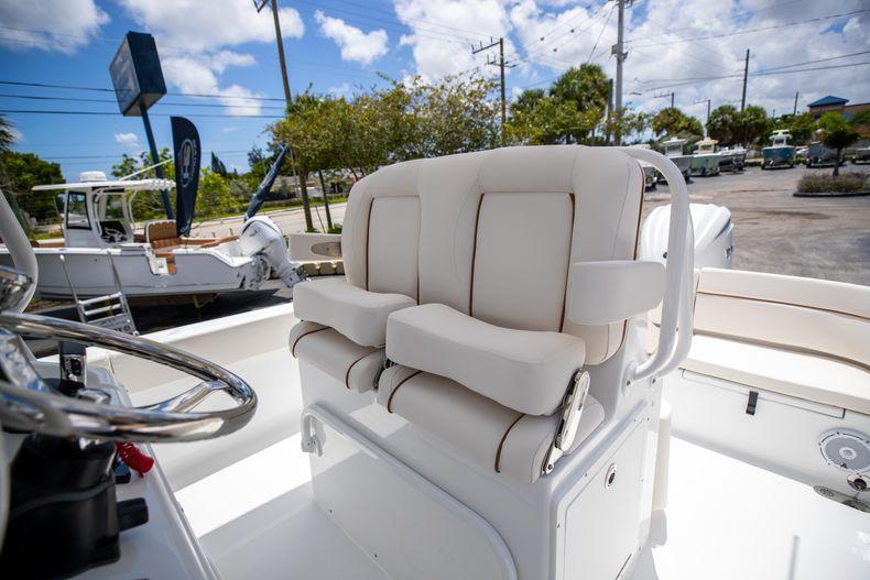 Thumbnail 35 for New 2022 Sea Hunt Escape 25 boat for sale in Vero Beach, FL
