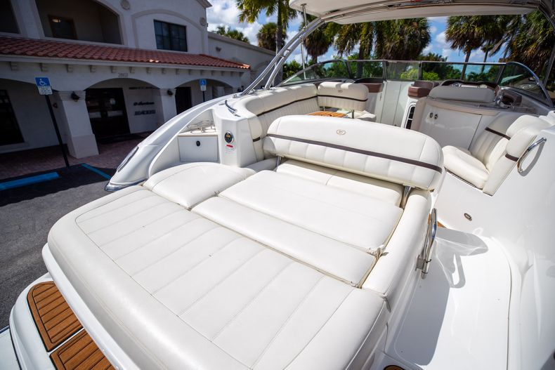 Thumbnail 13 for Used 2014 Cobalt 336 boat for sale in Aventura, FL