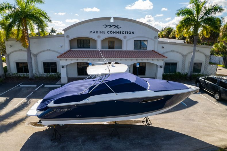 Thumbnail 60 for Used 2014 Cobalt 336 boat for sale in Aventura, FL