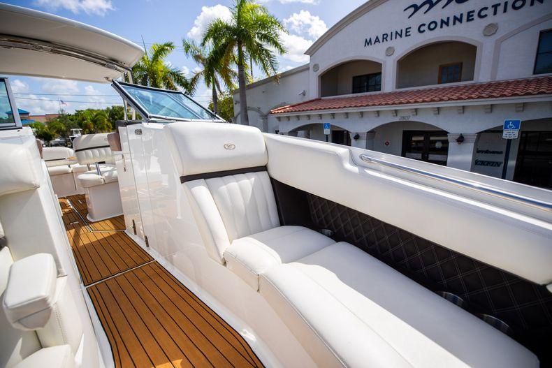 Thumbnail 59 for Used 2014 Cobalt 336 boat for sale in Aventura, FL