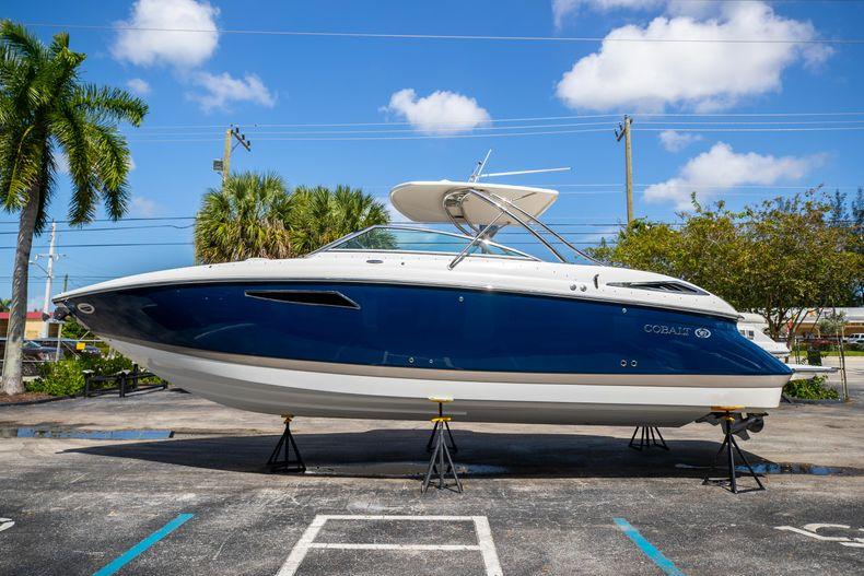 Thumbnail 6 for Used 2014 Cobalt 336 boat for sale in Aventura, FL