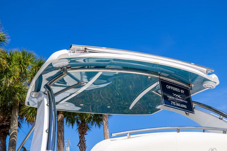 Thumbnail 5 for New 2022 Cobalt 30SC boat for sale in Stuart, FL