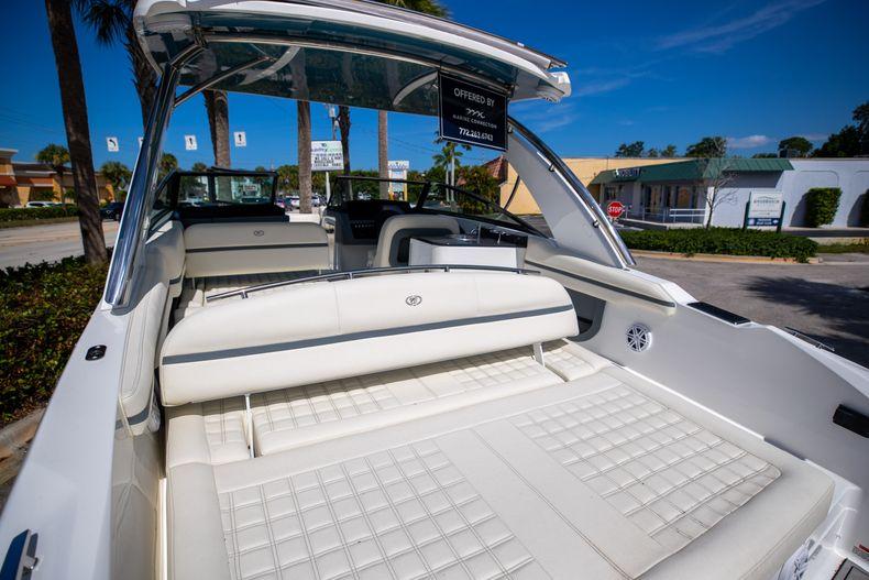 Thumbnail 6 for New 2022 Cobalt 30SC boat for sale in Stuart, FL