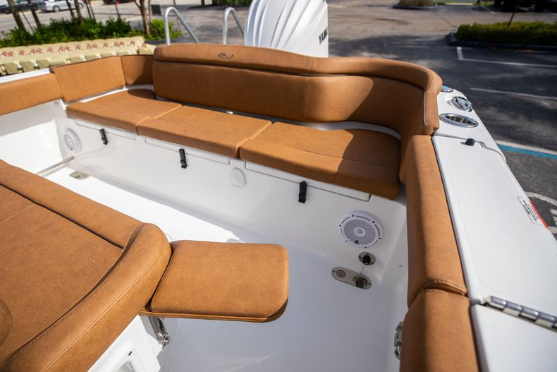 Thumbnail 13 for New 2022 Sea Hunt Ultra 255 SE boat for sale in West Palm Beach, FL