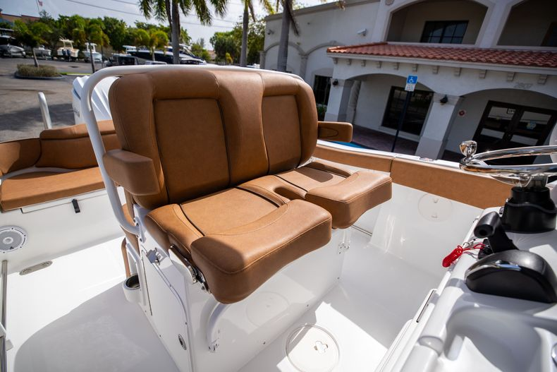 Thumbnail 34 for New 2022 Sea Hunt Ultra 255 SE boat for sale in West Palm Beach, FL