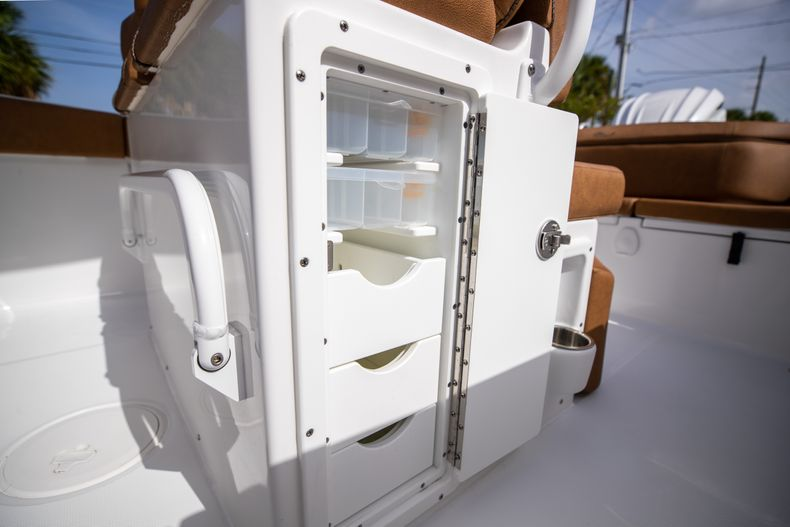 Thumbnail 24 for New 2022 Sea Hunt Ultra 255 SE boat for sale in West Palm Beach, FL
