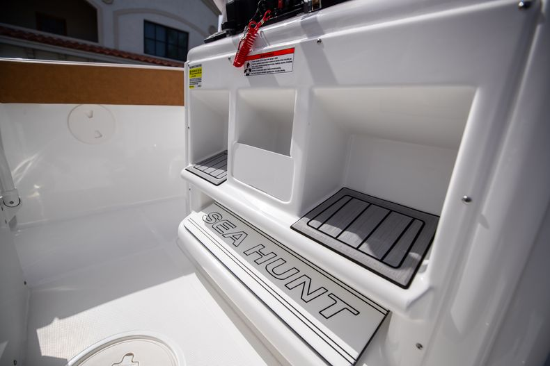 Thumbnail 32 for New 2022 Sea Hunt Ultra 255 SE boat for sale in West Palm Beach, FL