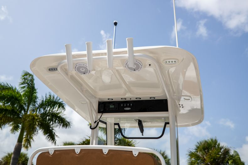 Thumbnail 8 for New 2022 Sea Hunt Ultra 255 SE boat for sale in West Palm Beach, FL
