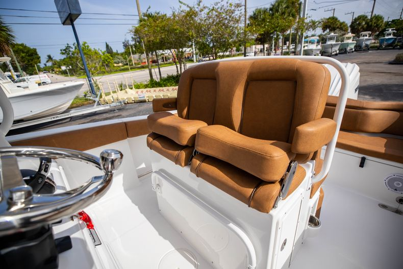 Thumbnail 35 for New 2022 Sea Hunt Ultra 255 SE boat for sale in West Palm Beach, FL