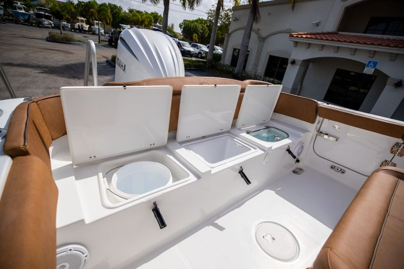 Thumbnail 11 for New 2022 Sea Hunt Ultra 255 SE boat for sale in West Palm Beach, FL