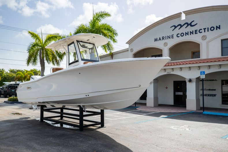 Thumbnail 1 for New 2022 Sea Hunt Ultra 255 SE boat for sale in West Palm Beach, FL