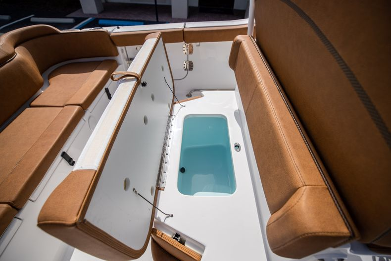Thumbnail 19 for New 2022 Sea Hunt Ultra 255 SE boat for sale in West Palm Beach, FL