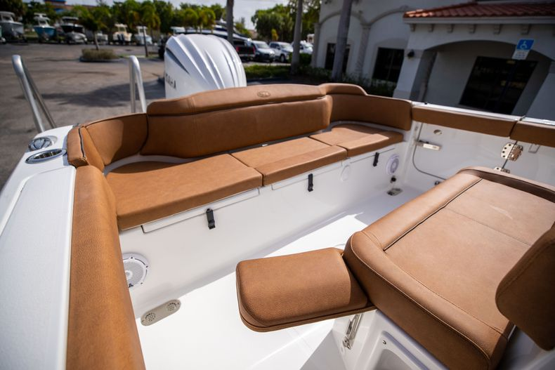 Thumbnail 10 for New 2022 Sea Hunt Ultra 255 SE boat for sale in West Palm Beach, FL